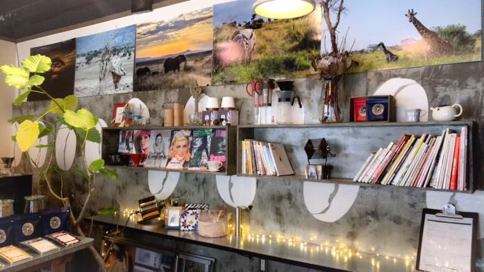 北浜ポート焙煎所さんの店内 壁