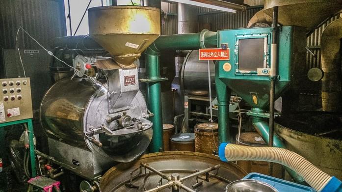 シルバー&ゴールドの焙煎機