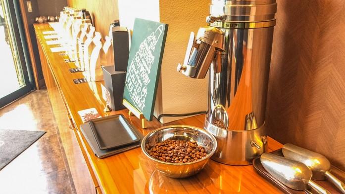 ピカピカのコーヒーミル