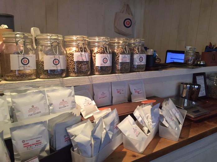ズラっと並んだコーヒー生豆